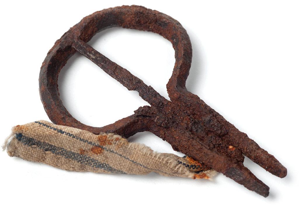 grumle - kovový lidový hudební nástroj - archeologický nález