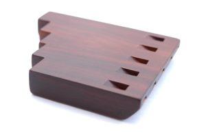 pětitónová píšťalka ze švestkového dřevo zvaná moldánky - lidový hudební nástroj